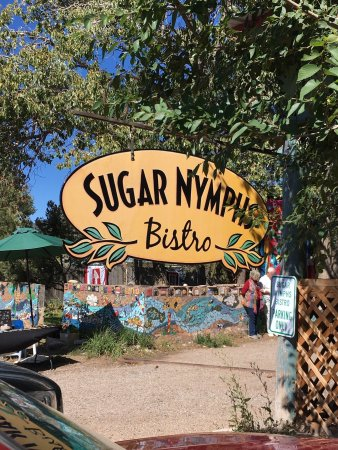 Penasco, NM: Quirky well known restaurant on the high road to Taos. Best know for their carrot cake and other