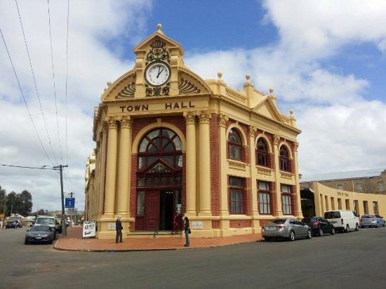 York, أستراليا: York Town Hall