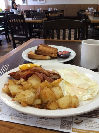 Rapid Valley Restaurant : Huge breakfast.