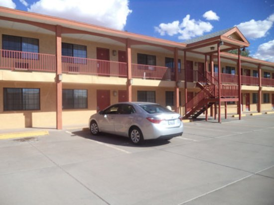 Magnuson Hotel Adobe Holbrook: Not many visitors on our September overnight.