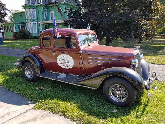 Elmira, NY: Old Car