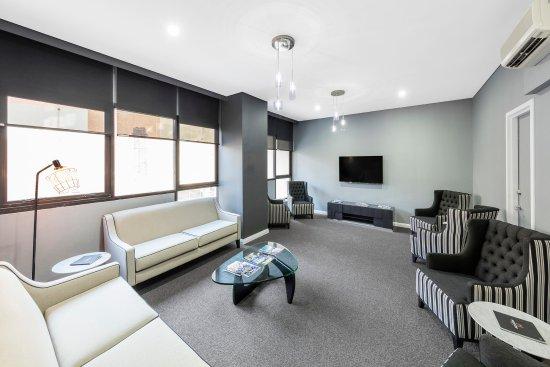 เมริตัน เซอร์วิส อพาร์ทเมนท์ - เคนท์ สตรีท: Arrivals Lounge