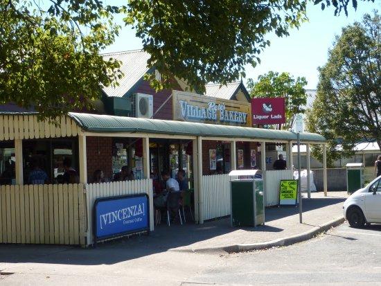 Yandina, Australia: Like a good pie...its waiting!