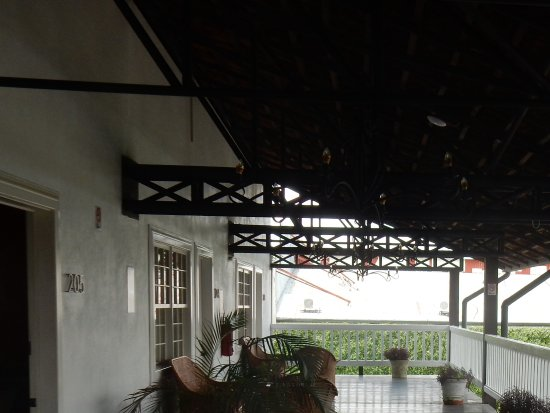 Hotel Luisiana: Sitting veranda outside rooms 203 - 206