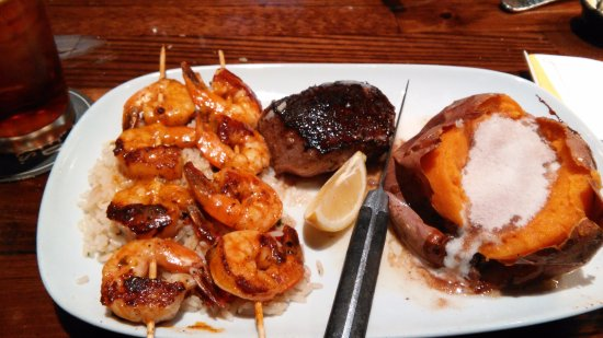 Kingsport, Теннесси: Steak and shrimp is great!