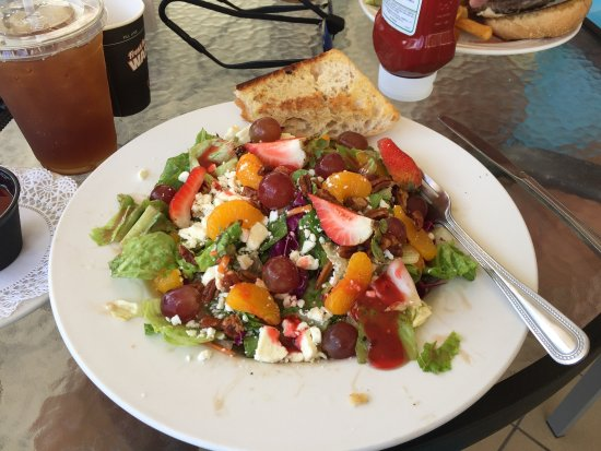 Holiday Inn Hotel & Suites Daytona Beach: My lunch salad