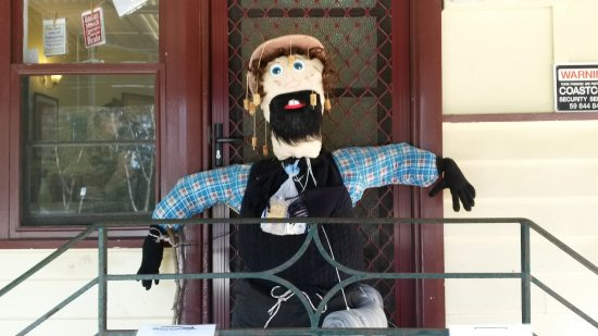 Rosebud, Australie : The annual Scarecrow festival in Red Hill is a popular attraction in spring on our wine tours.