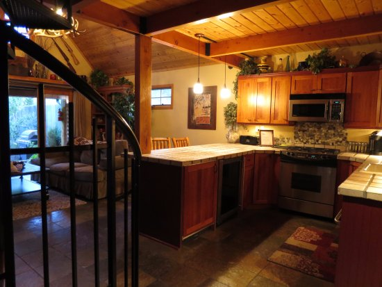 The Cabins at Country Road: Cosy kitchen!
