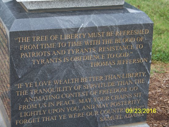 Kernersville, Carolina del Norte: Quotes by Jefferson and Sam Adams