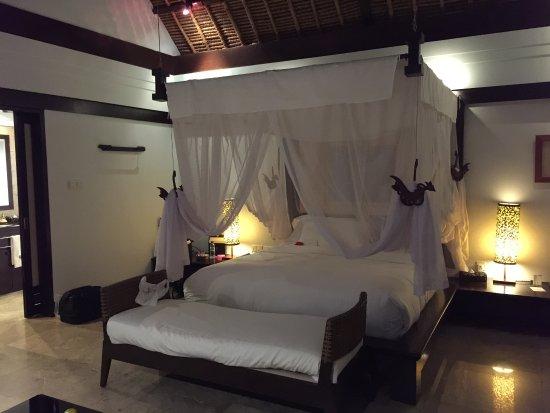 Banyan Tree Bintan: Queen side bed - very comfortable