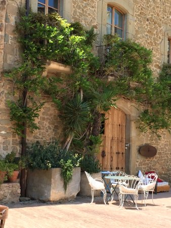 Monells, สเปน: View from our table