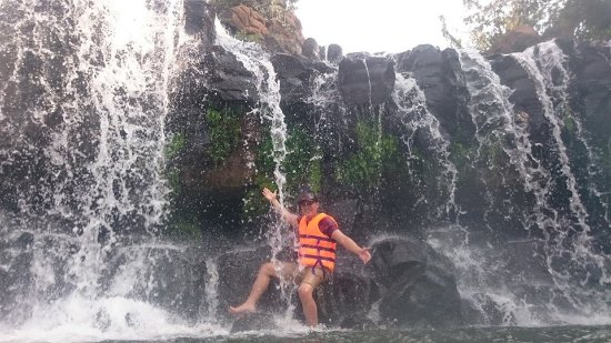 Trang Bom, Vietnam: Enjoy waterfall