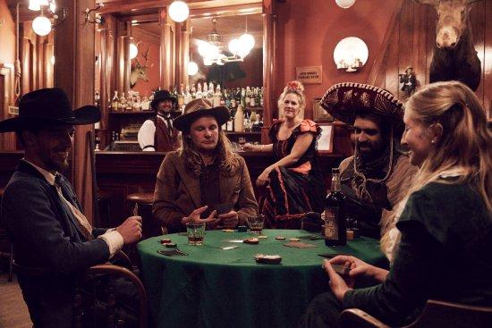 Raetihi, New Zealand: An evening in the Lucky Strike Saloon