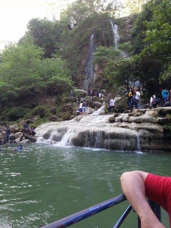 Sri Gethuk Waterfall: View dari atas perahu