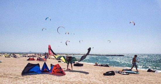 Kitesurf Ae Kitesurf Beach Dubai Nessnass Beach Picture Of