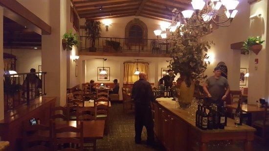 Santee, Калифорния: Dinning Area