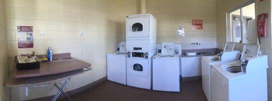 St George, Австралия: Laundry Facilities