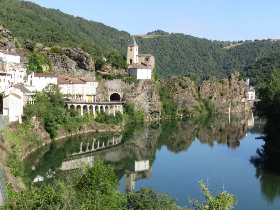 Plaisance, Francia: village views while cycling