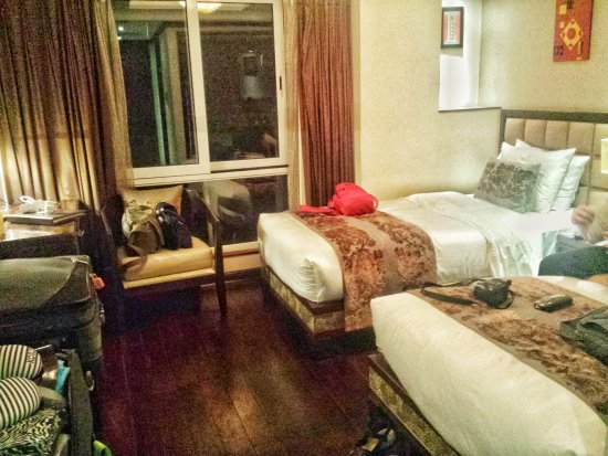 Golden Lotus Luxury Hotel : not overly big, but comfortable