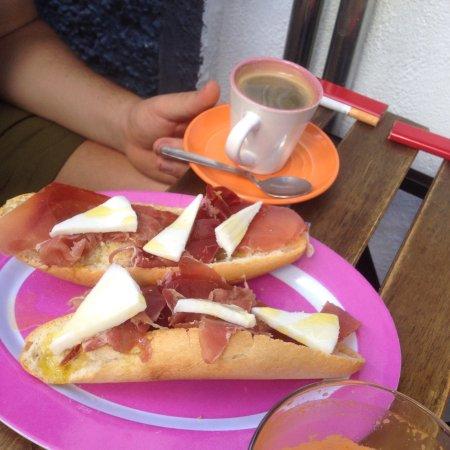 LLevaté Cafè: photo1.jpg