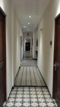 Da House Hotel: 20160729_190049_large.jpg