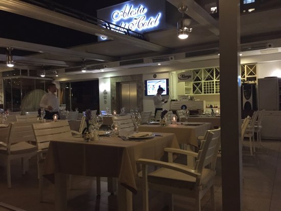 Alarga Restaurant: Alarms Restaurant is a hidden gem, a must if the visit the marina in Fethiye
