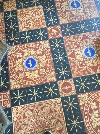 Moreton, UK: Beautiful floor tiles