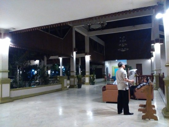 Ratu Hotel & Resort