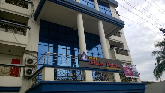 Little Palace Hotel : Hotel Front