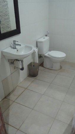 Padangbai, Indonésie : Bathroom