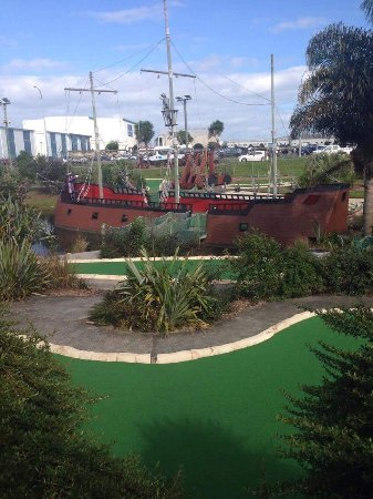 Treasure Island Adventure Golf: photo0.jpg