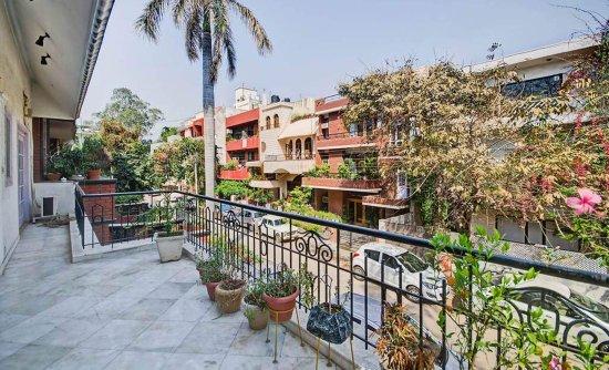 Secludecity - Safdarjung Enclave : Balcony