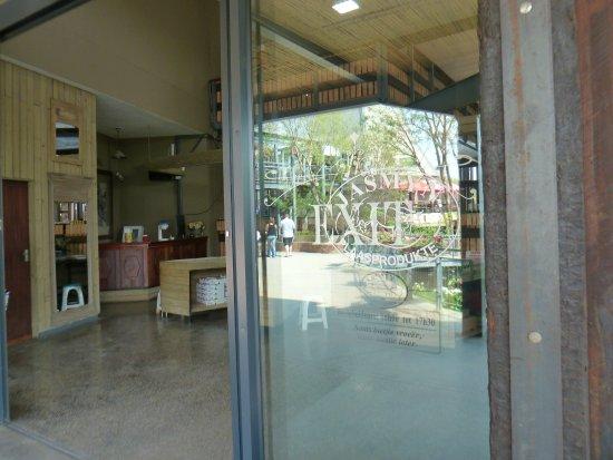 Hartbeespoort, Zuid-Afrika: Entrance to Jasmyn