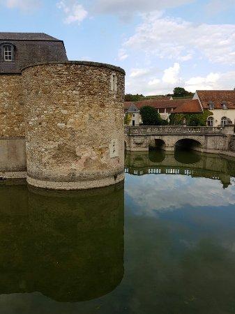 Étoges, France : 20160923_163001_large.jpg