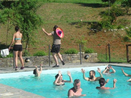 Τσιτά Ντι Καστέλο, Ιταλία: Animazione piscina