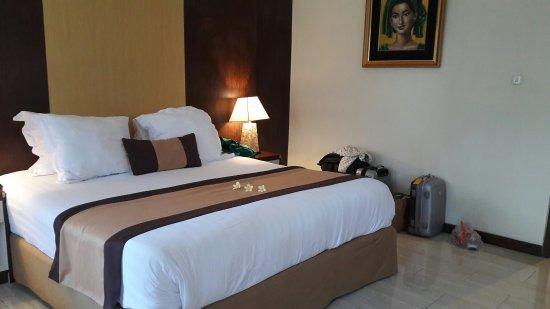 Hotel Vila Ombak: 20160924_122744_large.jpg
