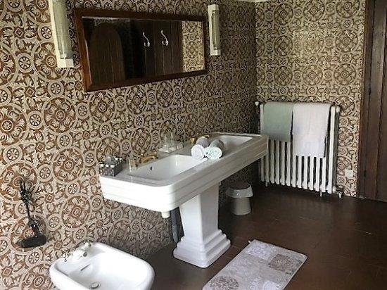 salle de bain voyage - Bild von La Marvaliere, Choisy-en-Brie ...