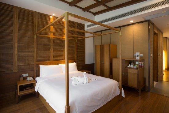 Anji County, China: 合院标准大床套房,一张一米八的大床房+一个小客厅