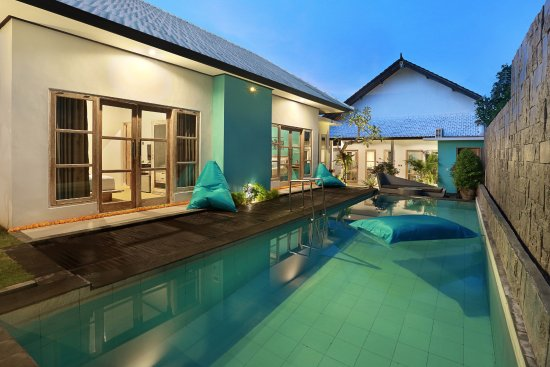 Akasa villa tulamben indonesia review hotel for Courtyard designs with spa