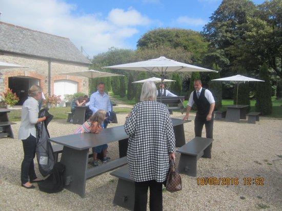 Kentisbury, UK: A Welcoming Table Outdoor