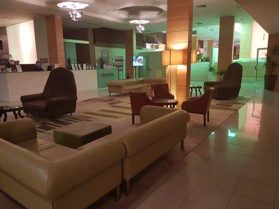 Bluesun Hotel Elaphusa: hall