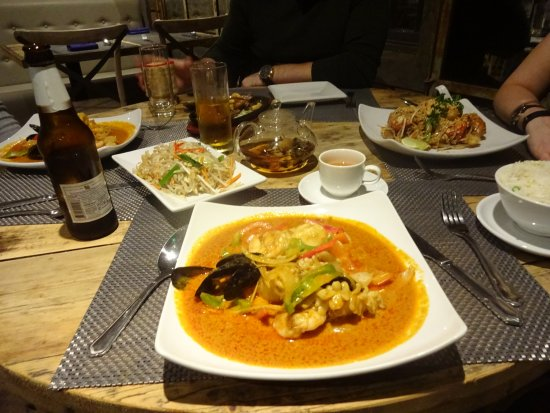 Berkhamsted, UK: Fishing Village - nice, but spicy. Scallops were good, but squid was chewy!