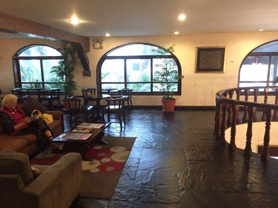 La Hacienda Miraflores: lobby