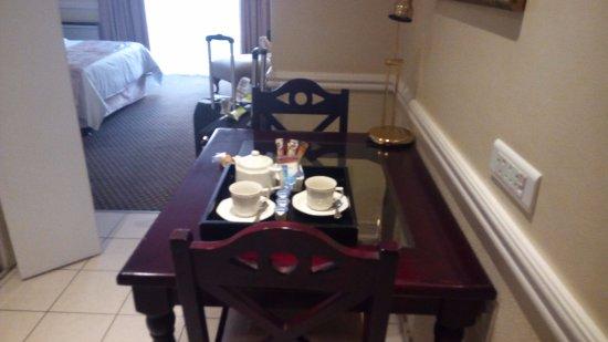 Courtyard Hotel Rosebank Photo