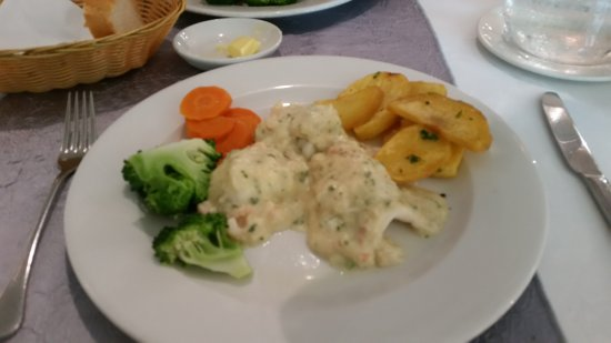 The Dolphin Hotel: Evening meal