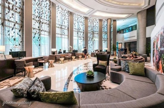 Ascott Makati: Renovated lobby & sit down reception