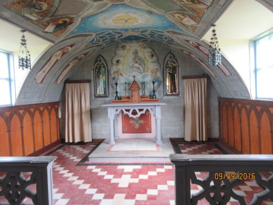 St. Mary's, UK: the altar