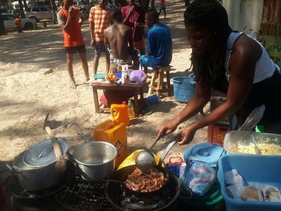 Quelimane, موزمبيق: 20160925_135436_large.jpg