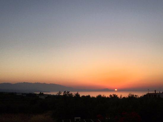 Stavromenos, Hellas: tramonto dalla camera
