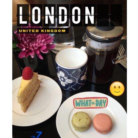 St. Pancras Renaissance Hotel London: the chambers club - afternoon tea